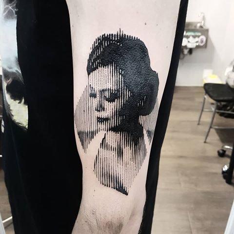 mulher tattoo.jpg
